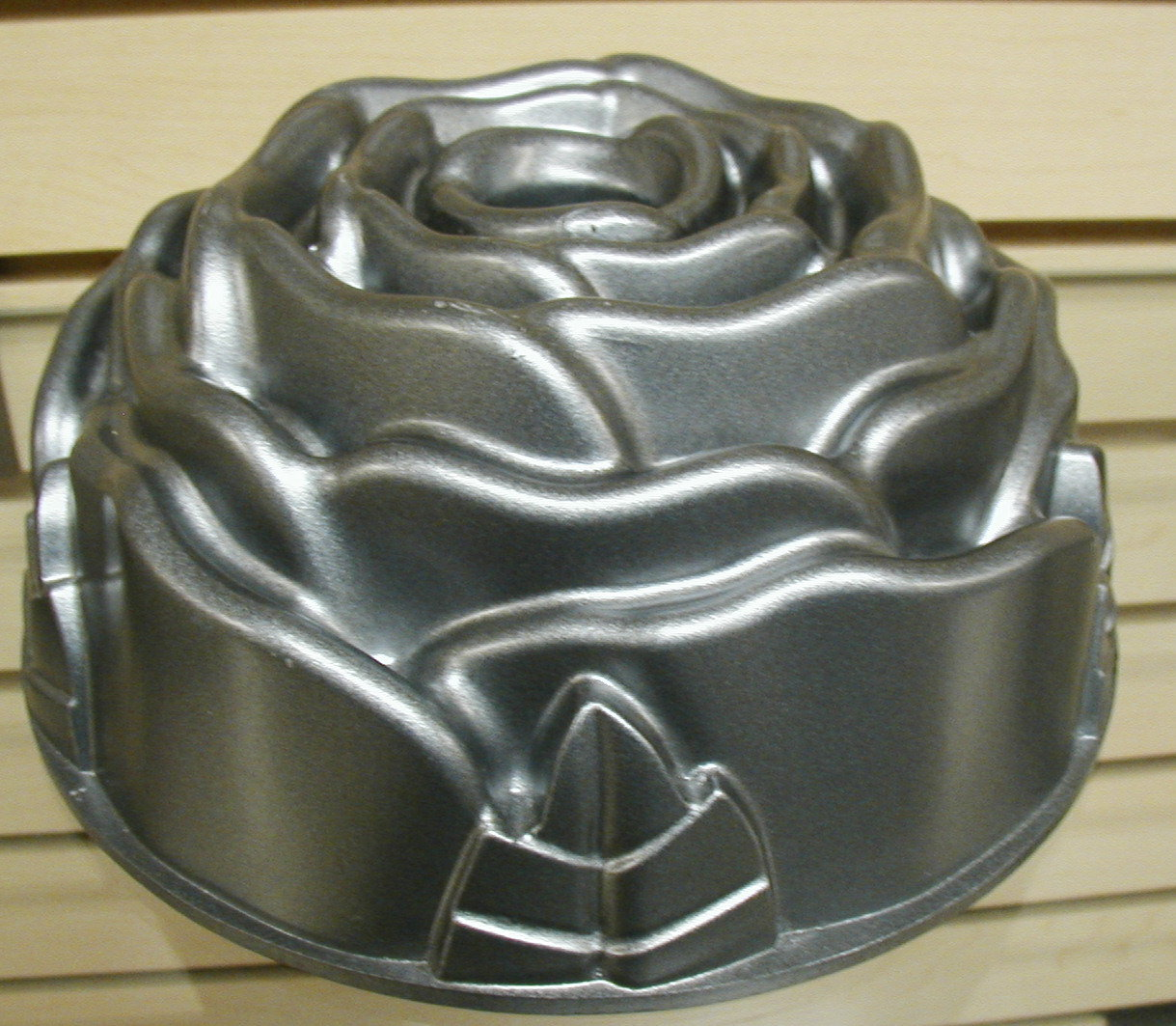 Castle Bundt Pans And Regular Large And Small Bunt Pans
